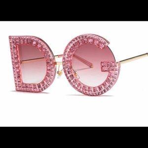 Accessories - statement sunglasses NWT
